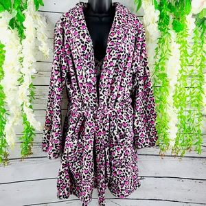 Victoria Secret Leppard Heart Print Robe